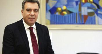 Ο Μάνος Κόνσολας εξελέγη καθηγητής στη Σχολή Ανθρωπιστικών Επιστημών του Πανεπιστημίου Αιγαίου