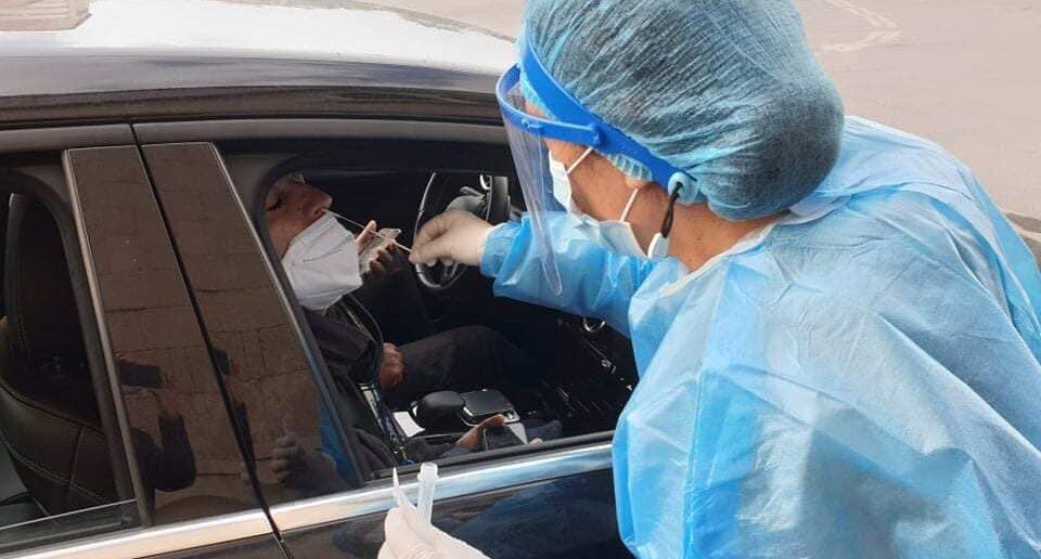 Στην πόλη της Ρόδου και στο Γεννάδι συνεχίζονται οι προληπτικοί έλεγχοι με rapid tests μέσω της δράσης «Drive Through Testing»