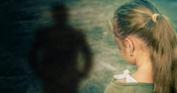 Τρομακτικά τα στοιχεία από την κακοποίηση ανηλίκων στην Ελλάδα -Κάθε εβδομάδα του 2020 ένα παιδί έπεφτε θύμα βιασμού