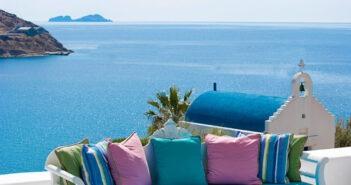 Τουρισμός: Κλείνουν ήδη εισιτήριο οι Βρετανοί για το ελληνικό καλοκαίρι
