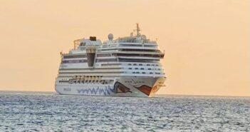 στο λιμάνι της Ρόδου το κρουαζιερόπλοιο «AIDA BLUE»