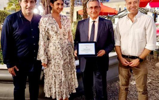 Οι τουριστικοί πράκτορες της Βορείου Ελλάδας τίμησαν τον Περιφερειάρχη Νοτίου Αιγαίου Γιώργο Χατζημάρκο