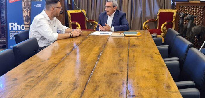 Συνάντηση εργασίας του Περιφερειάρχη με τον Δήμαρχο Τήνου