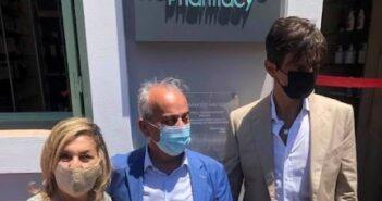 Η Αντιπεριφερειάρχης Υγείας Χαρούλα Γιασιράνη στα εγκαίνια του πρώτου Φαρμακείου στο ακριτικό Καστελλόριζο