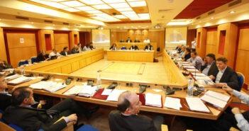 Η ΚΕΔΕ ζητά από 4 Υπουργούς έκτακτη σύσκεψη για την πανδημία