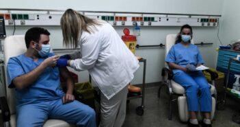 εμβολιασμός: Ποιοι υγειονομικοί