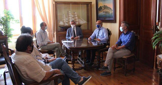 Συνάντηση του Δημάρχου Σύρου-Ερμούπολης με τον Περιφερειάρχη Ν. Αιγαίου