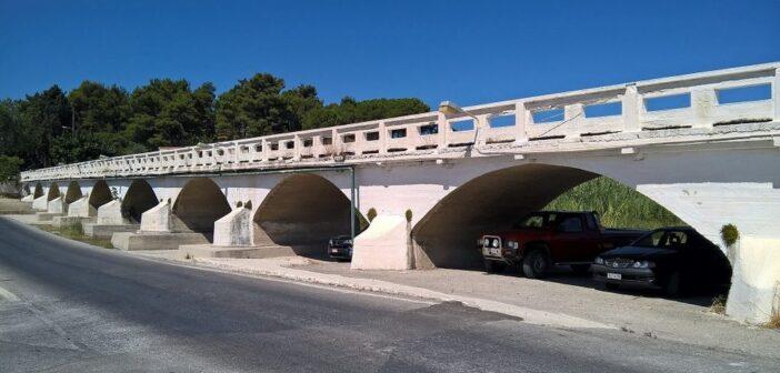"""Ο Εμπορικός Σύλλογος Κρεμαστής ευχαριστεί δημόσια τον Περιφερειάρχη Γ. Χατζημάρκοπου έσκυψε πραγματικά στο πρόβλημα των κατοίκων και του εμπορικού κόσμου της Κρεμαστής και κάνει πράξη την δέσμευσή του για καινούργια γέφυρα"""""""