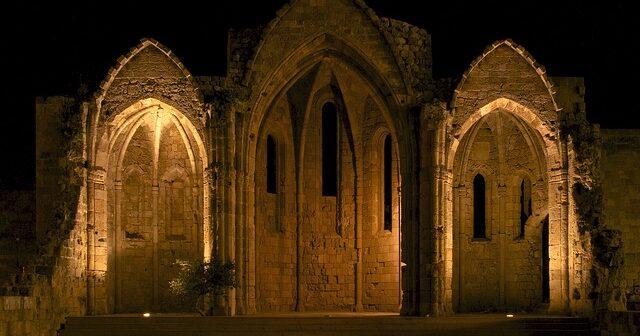 Ιστορίες από τον Μεσαίωνα στη Ρόδο