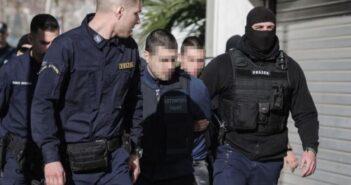 Μεταφέρθηκε στην Ρόδο ο δολοφόνος της Ελένης Τοπαλούδη Ποια άλλη κατηγορία τον βαραίνει