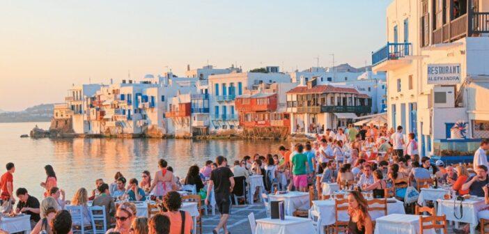Τουρισμός : Μέχρι και 85% οι πληρότητες στα ξενοδοχεία του Νοτίου Αιγαίου τον Αύγουστο
