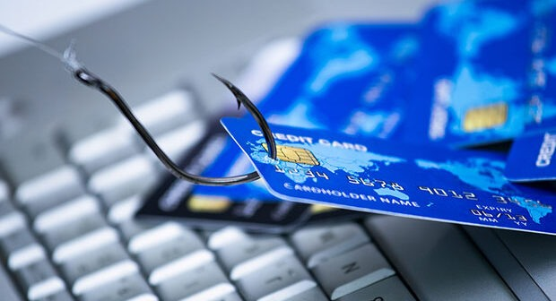 Eκτακτη σύσκεψη Θεοδωρικάκου – Στουρνάρα για τις ηλεκτρονικές απάτες Φτερά έκαναν 40 εκατ. ευρώ!